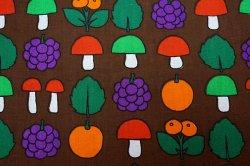 画像3: 【未使用品】キノコ&フルーツのファブリック(ハギレ大)